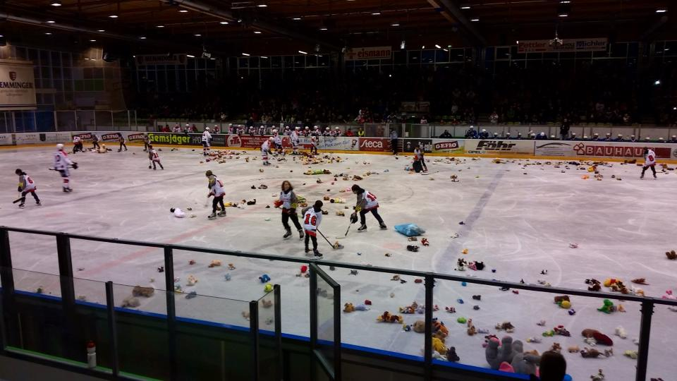 Memmingen Teddy Bear Toss 2014